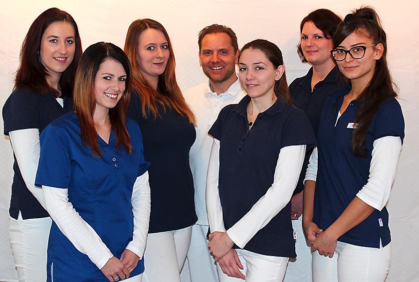 Das Team der Zahnarztpraxis Hauer